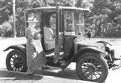 Anderson Carriage Co., Anderson Electric Car Co., Detroit Electric Car ...